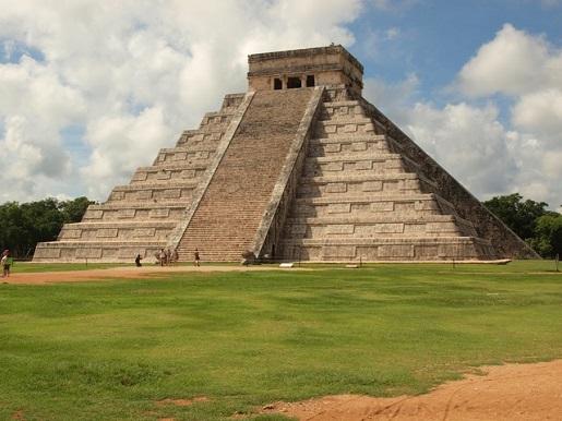 Meksyk Świątynia Kukulkana w Chichen Itza