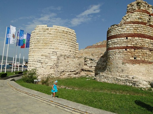 106 Bułgaria z dzieckiem Nessebyr