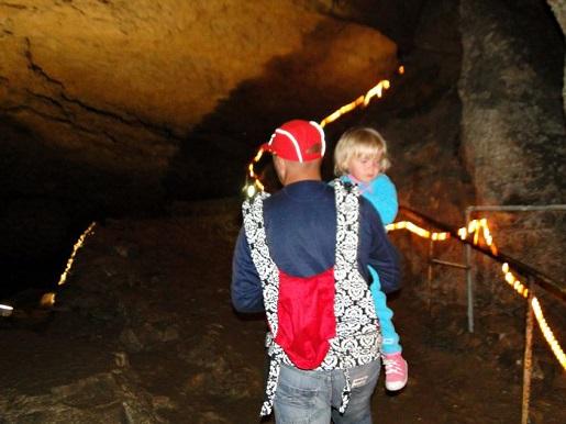 128 Bułgaria z dzieckiem Jaskinia Bacho Kiro
