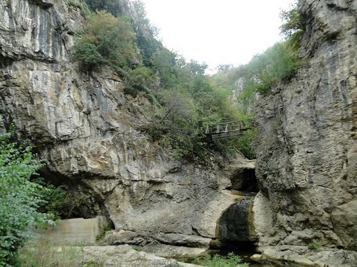 131 Bułgaria z dzieckiem Jaskinia Bacho Kiro