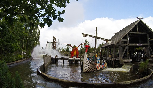 14.Vikings river splash