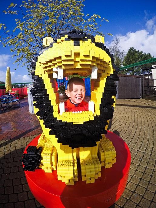 26.Legoland_inne