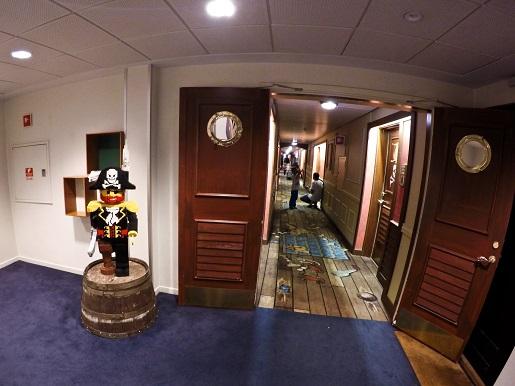 34.Hotel