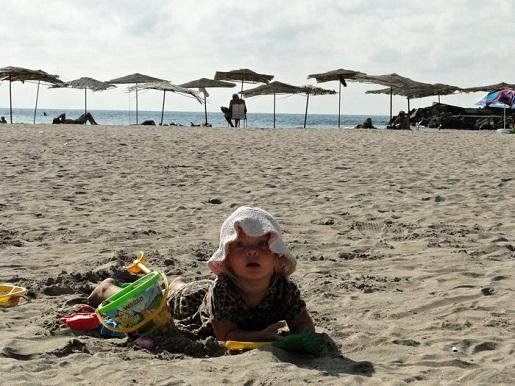 84 Bułgaria z dzieckiem Zatoka Bolata