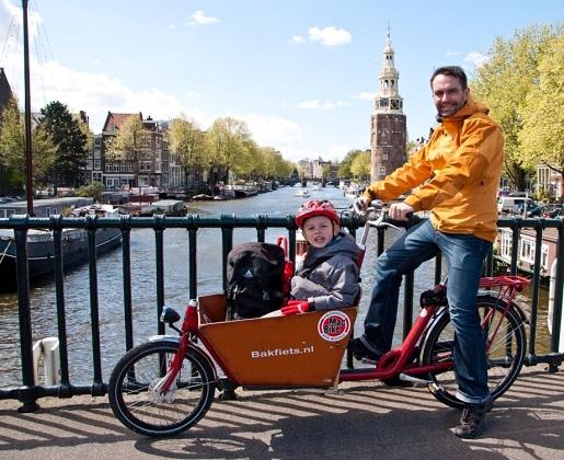 Amsterdam z dzieckiem co zwiedzić rowerem