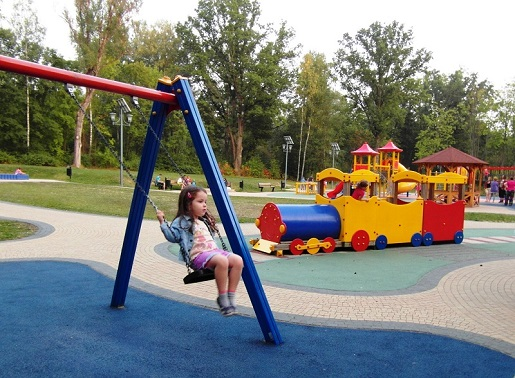 Atrakcje dla dzieci Rabka Zdrój-plac zabaw 2