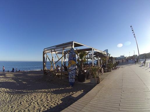 Barcelona bulwar Barceloneta plaża deptak (5)
