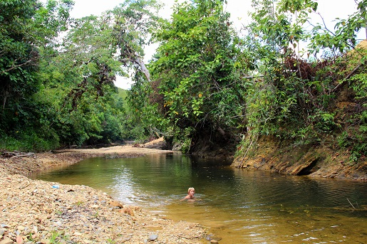 Borneo opinie Indonezja z dzieckiem 10