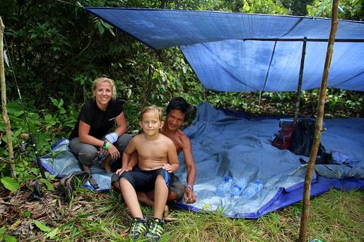 Borneo pod namiotem z dzieckiem wakacje podróże