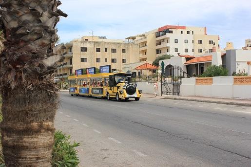 Bugibba kolejka turystyczna - co zwiedzić podczas wakacji z dzieckiem na Malcie