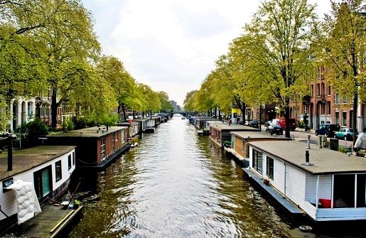 Domy na wodzie Amsterdam - zwiedzanie z dzieckiem)