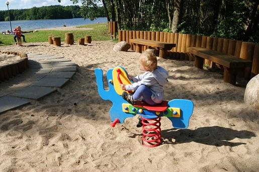 Kaszuby Wakacje z dzieckiem - Kąpielisko na jeziorem Jeleń