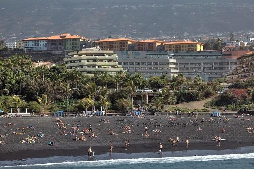 Plaża Jardin przy hotelu przy plaży z  basenem