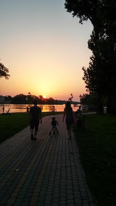 Spacer promenadą nad Jeziorem Ełckim - atrakcje
