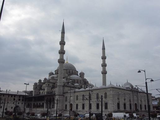 Stambuł Nowy Meczet-atrakcje rejs statkiem po morzu śródziemnym opinie
