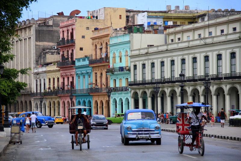 Taksówki na Kubie- transport ceny Kuba wycieczka