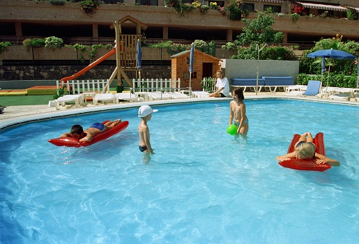 Teneryfa hotel z basenem dla dzieci apartamenty Perto de la Cruz
