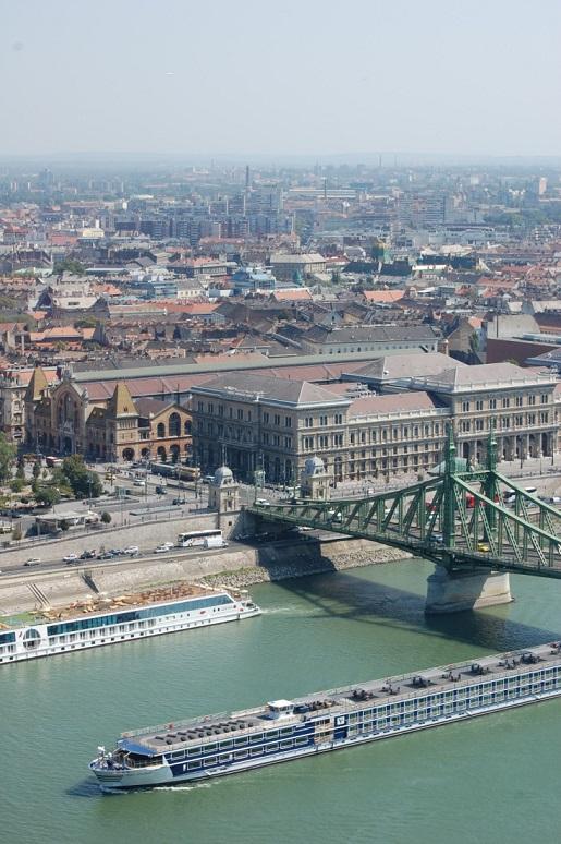 Węgry Budapesz Dunaj - budynek parlamentu