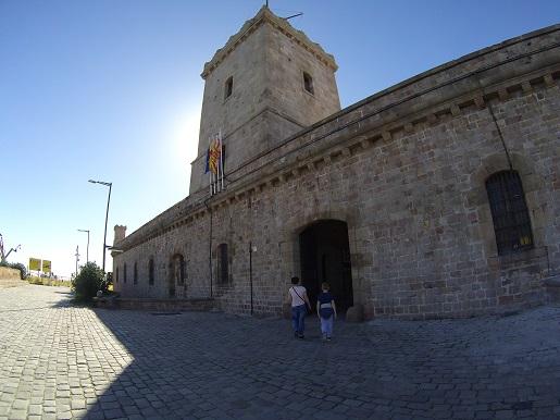 Zamek na Wzgórzu Montjuïc atrakcje dla dzieci  Barcelona