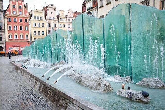 Fontanna na Rynku Wrocław atrakcje dla dzieci