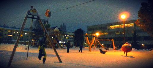 angry birds plac zabaw dla dzieci Rovaniemi zimą (2)
