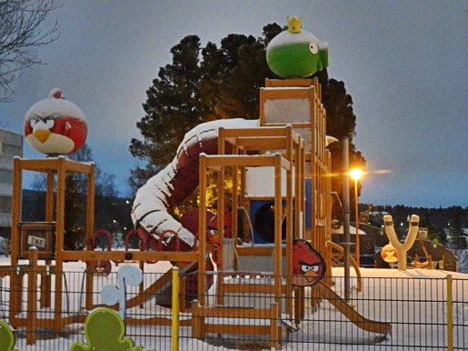 angry birds plac zabaw dla dzieci Rovaniemi zimą mm