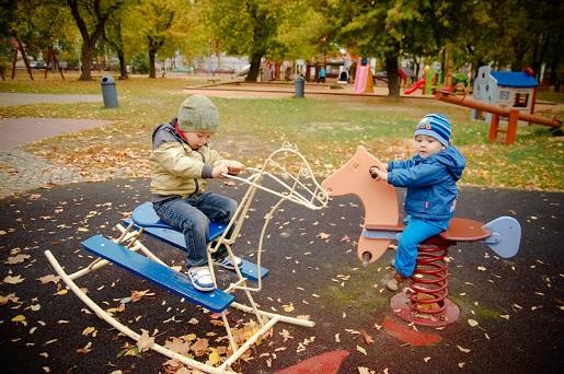 atrakcje dla dzieci park Kozienice plac zabaw