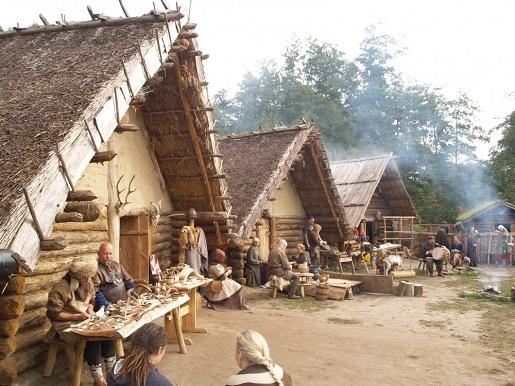 atrakcje na rodzinny weekend  w Polsce Biskupin