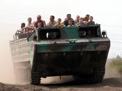 Rodzinne atrakcje Kołobrzeg - przejazd czołgiem