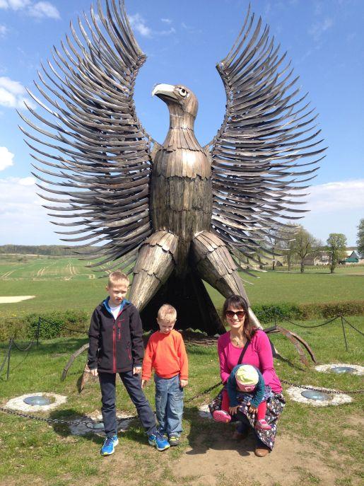 Muzeum Hymnu Będomin pomnik orła rodzinne atrakcje