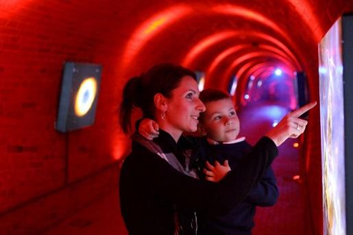 ciekawe miejsca na weekend w Polsce -atrakcje dla dzieci - Hewelianum