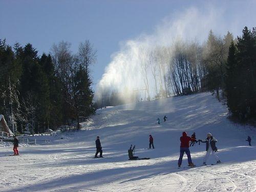 gromadzyn-laworta-stacja-narciarska-przyjazna-rodzinie