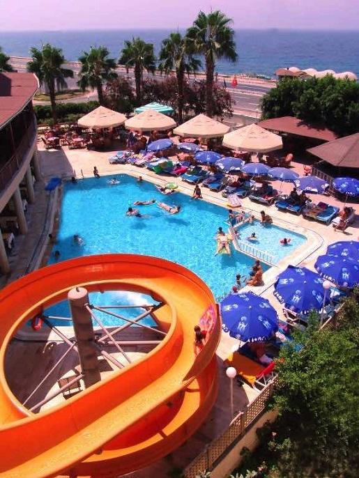 hotel z basenem turcja blisko plaży