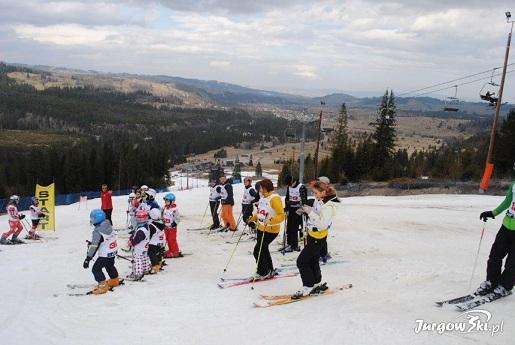 jurgow-ski-wyciag-narciarski-dla-dzieci