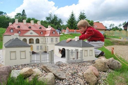Kaszubski Park Miniatur fascynuje dzieci