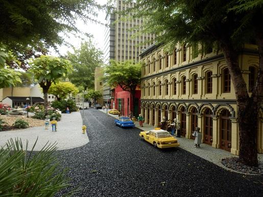 Miniland Wystawa Budowli z klocków LEGO