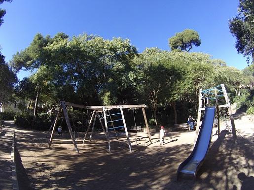 park guell plac zabaw dla dzieci Barcelona (14)