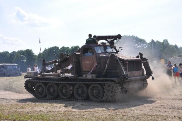 Mazury rodzinne atrakcje czołg