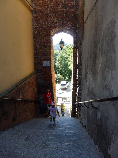 Sandomierz rodzinne atrakcje Kozie Schody
