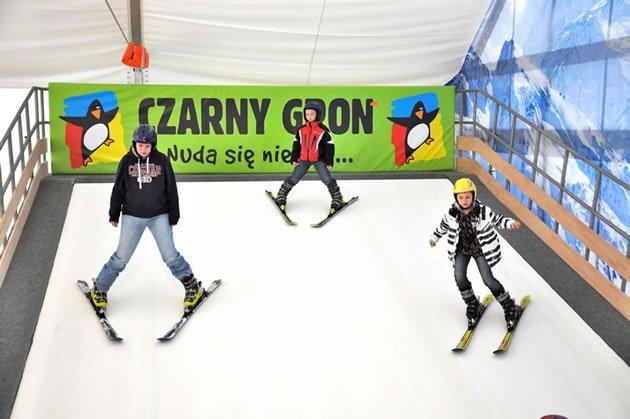 Czarny Groń atrakcje sztuczny stok narciarski