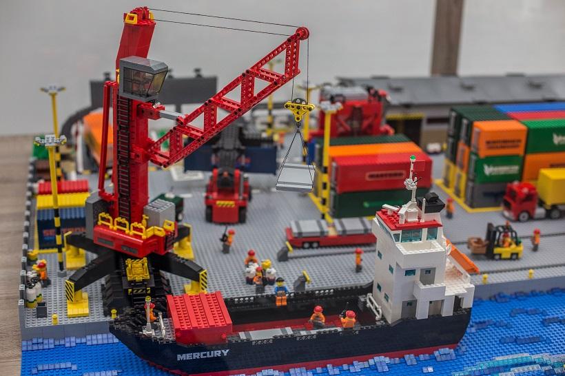 terminal-kontenerowy-lego-1