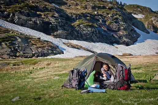 W górach pod namiotem z dzieckiem FRANCJA