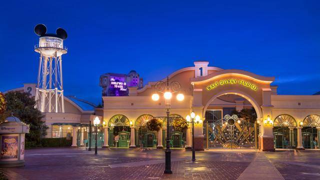 Disneyland atrakcje dla dziecie