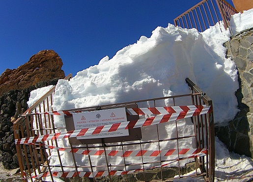zima na Teide - snow on routes- Teide Volcano weather winter