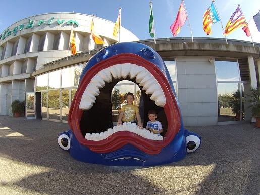 zwiedzanie z dzieckiem Akwarium Barcelona opinie atrakcje