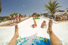 kempingi z atrakcjami wodnymi Europa oferty
