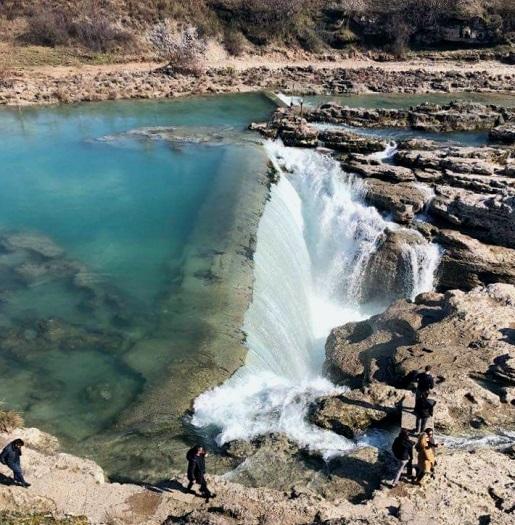 Wodospad Cem Czarnogóra atrakcje z dzieckiem wakacje