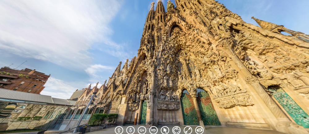 30 budowli, które można zwiedzić bez wychodzenia z domu sagrada familia