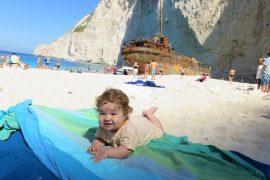 z niemowlakiem Zakynthos Grecja Zatoka Wraku Navagio opinie