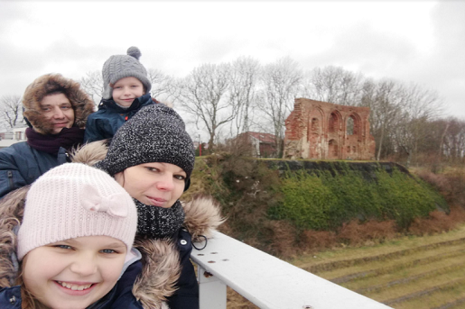 Trzęsacz ferie zimowe z dziećmi - nad morzem zimą